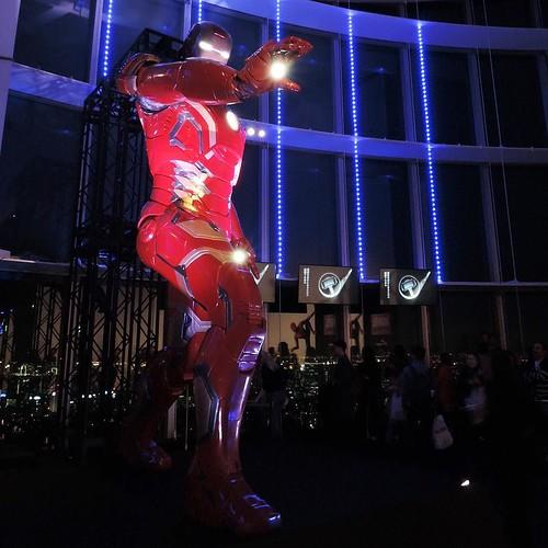 マーベル展のめっちゃでかいアイアンマン。展示はほとんど撮影不可なので、ここで撮っとくと良いかも。 #マーベル展