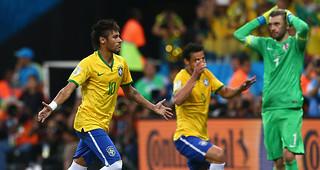 Brazil-v-Croatia-Neymar-second-goal-celeb_3157118[1]