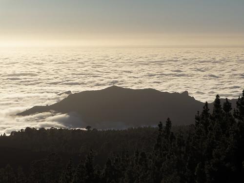 sunset sunrise geotagged spain cloudy canarias tenerife esp mardenubes valledearriba geo:lat=2828091837 geo:lon=1676784662