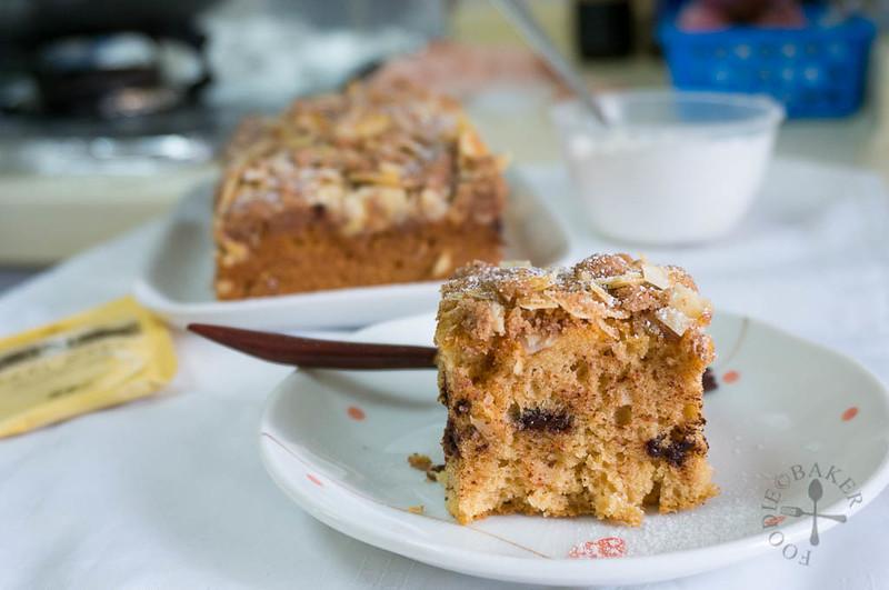 Almond-Streusel Baileys Cake