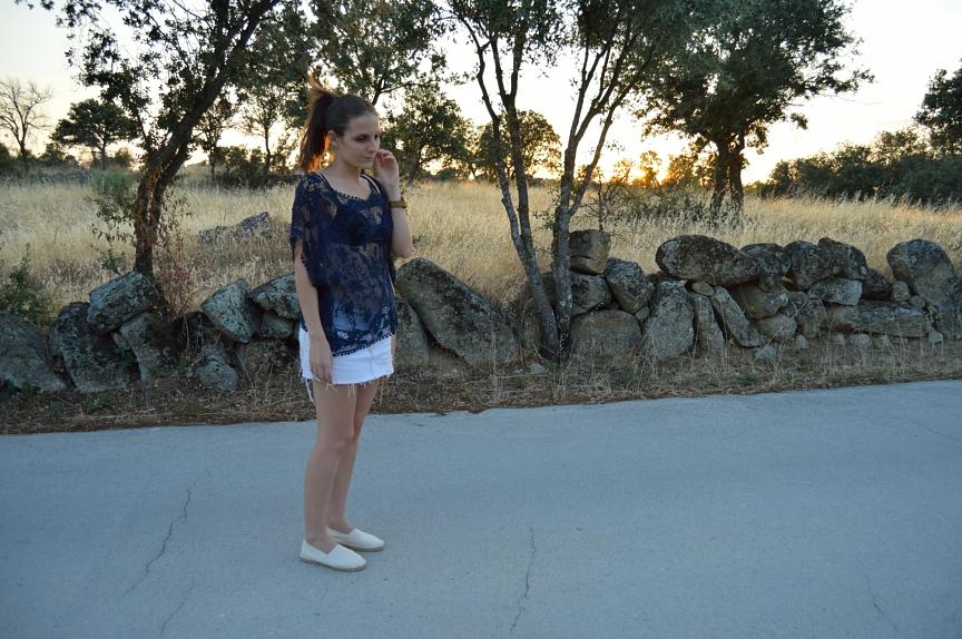 lara-vazquez-mad-lula-fashion-trends-style-blog-streetstyle-lace