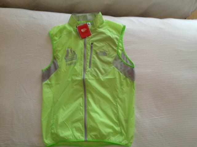 Όλη η ελληνική ομάδα πήρε από ένα θαυμάσιο τεχνικό Finisher Vest!