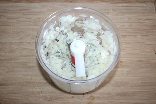 17 - Zwiebel würfeln / Dice onion