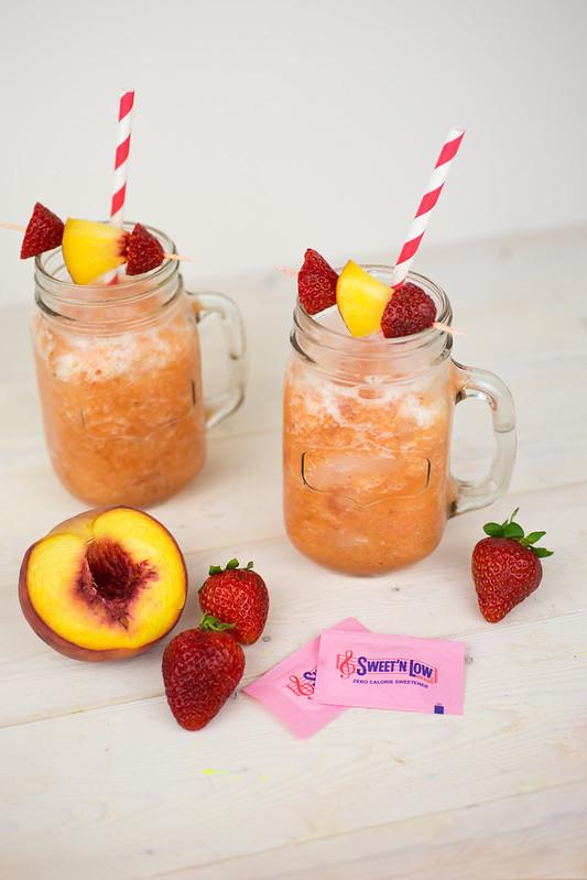 Low-Calorie Roasted Peach Lemonade with Sweet'N Low #SweetNLowStars
