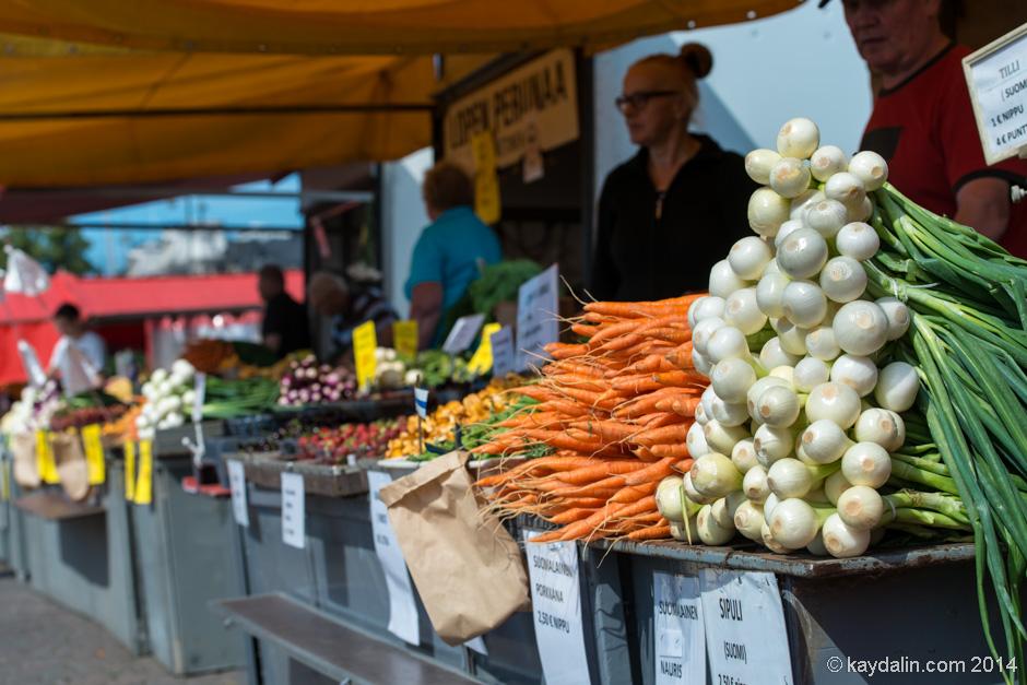 овощи на рынке в Хельсинки