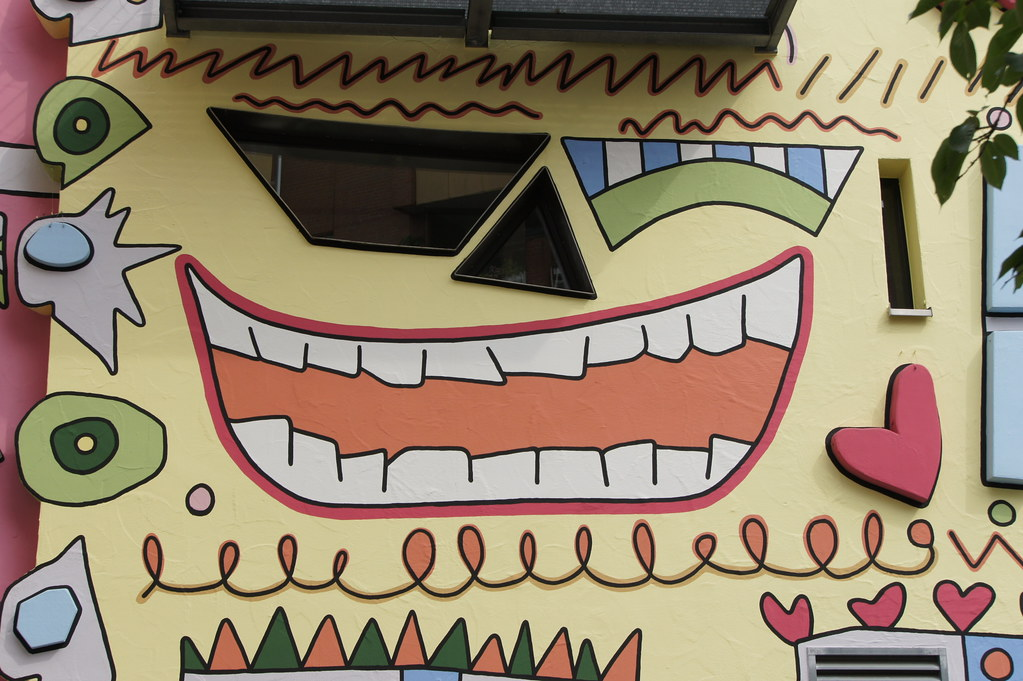 Images Meet Colorful Rizzi - The Happiest House in The World - YourAmazingPlaces.com 9
