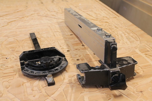 Miter gauge and fence for the bandsaw