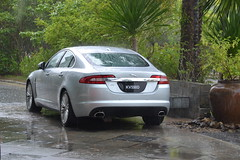 automobile(1.0), automotive exterior(1.0), executive car(1.0), family car(1.0), wheel(1.0), vehicle(1.0), performance car(1.0), automotive design(1.0), bumper(1.0), jaguar xf(1.0), sedan(1.0), land vehicle(1.0), luxury vehicle(1.0),