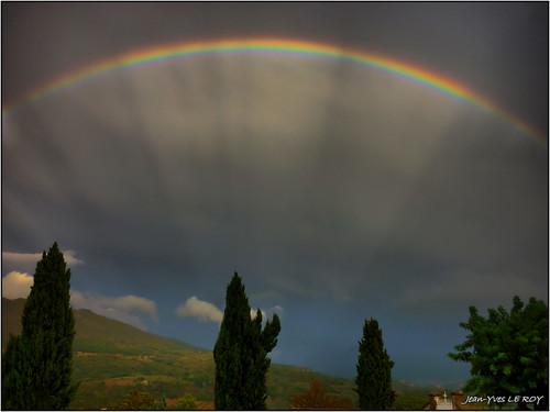 mountain france montagne alpes landscape rainbow europe provence dignelesbains arcenciel alpesdehauteprovence