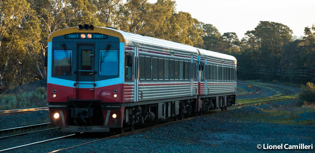 Sprinter 7007 at Broadford by LC501