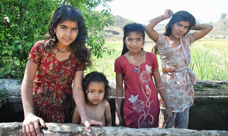 186 niñas en Natwara (27)