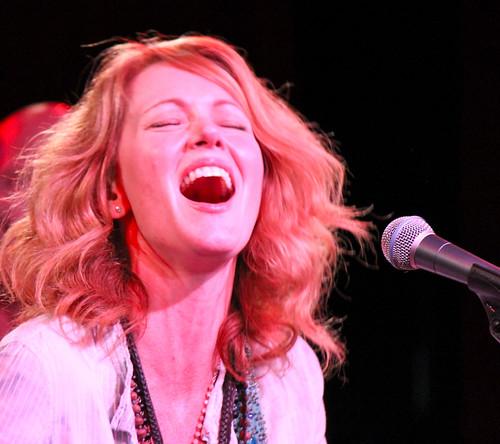 Allison Moorer voice