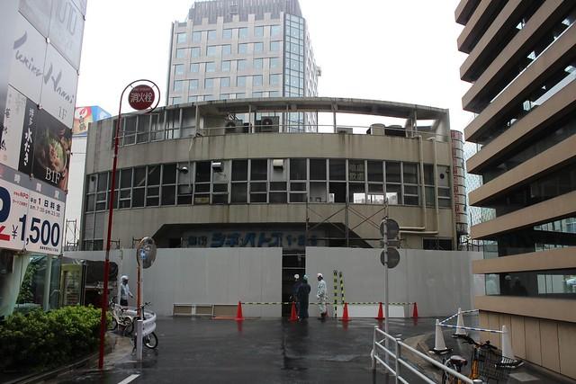 土浦亀城作の三原橋センター解体中 (28)