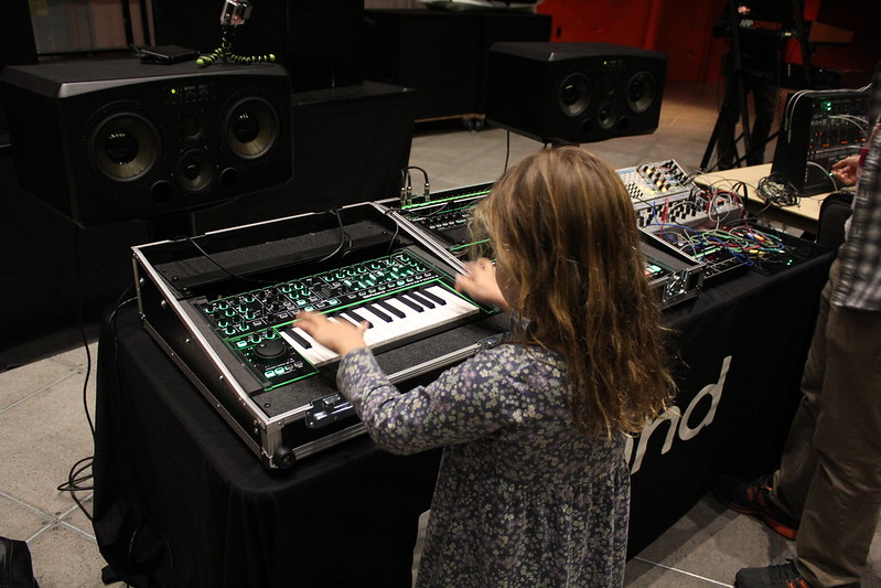MMTA SYNTH PETTING ZOO 2014