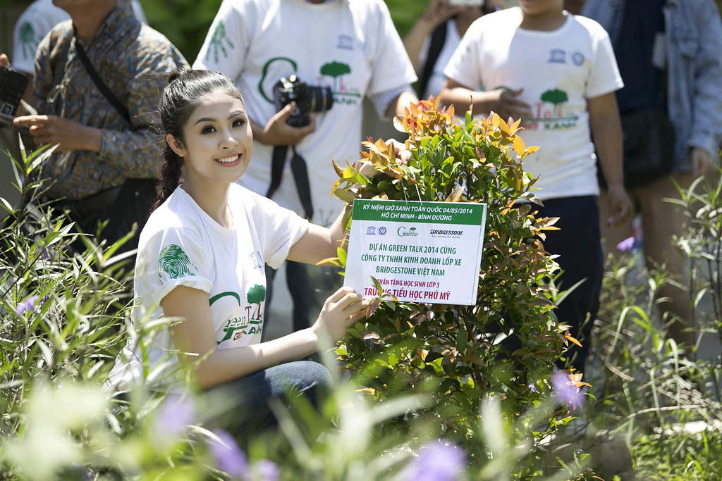 Tình nguyện viên đặc biệt của chương trình - Hoa Hậu Ngọc Hân