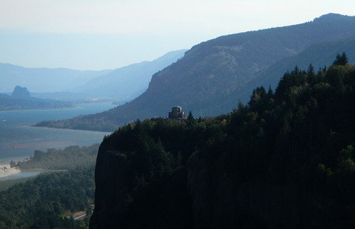 View of Vista House from Chanticleer Point