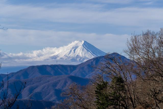 七ツ石小屋手前から眺める富士山