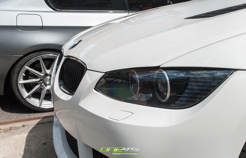 how to change headlights in e90