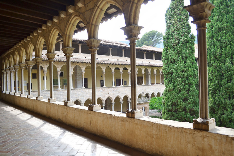 Casual en el Claustro del Monasterio de Pedralbes