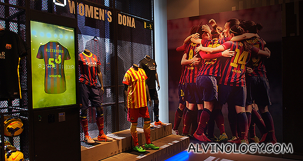 FCB Women's team jersey and kit