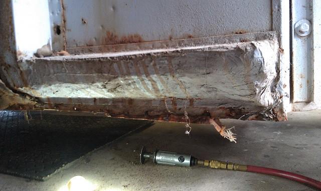 MM MGA Wing and Brake Removal5