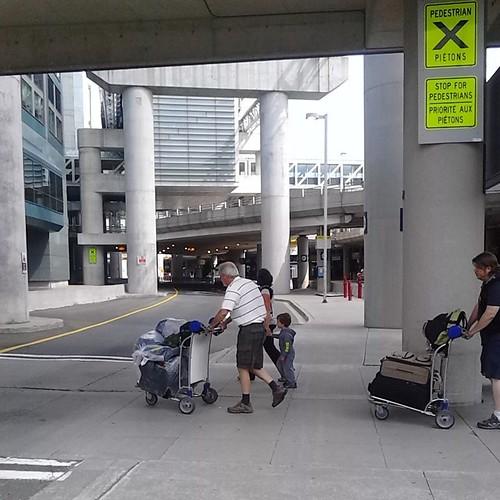 Crossing at Terminal 3 #toronto #torontophotos #mississauga #torontopearson #terminal3