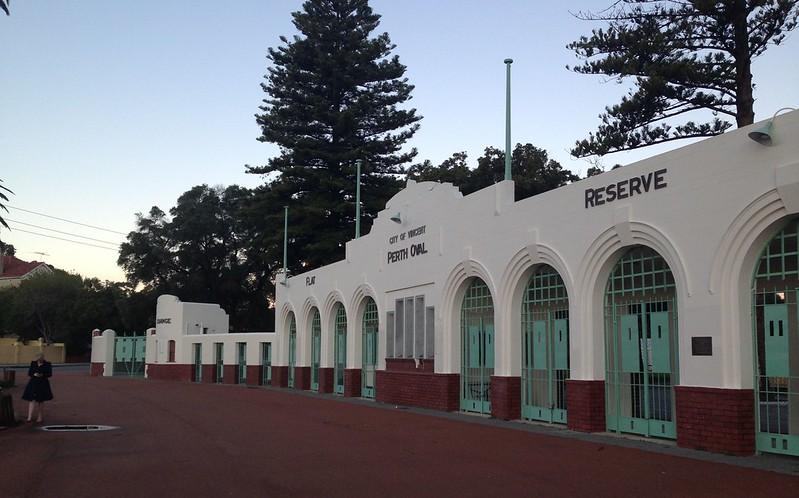 Perth Ocval