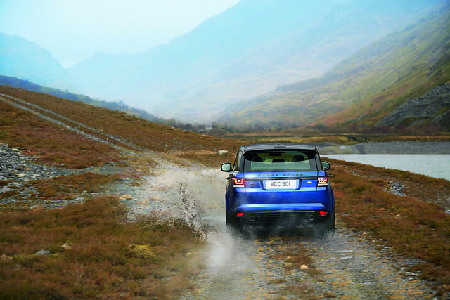 Pebble Beach Debut for New Range Rover Sport SVR