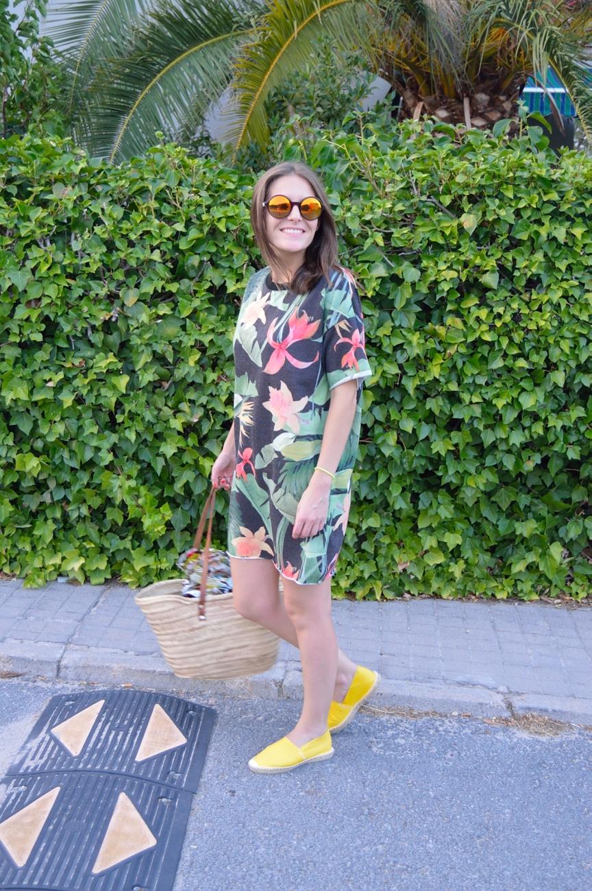 lara-vazquez-mad-lula-fashion-look-drees-out-yellow
