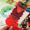 @albertomontt en la serie 4 de Proyecto Ensamble.  Este día del niño puedes encontrar las figuritas de la serie 4 de Proyecto Ensamble en Contrapunto del Parque Arauco, @plopgaleria y @depto51  Juguetes análogos de Proyecto Ensamble  #papertoys #arttoys #