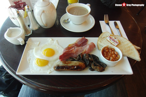 Fried Breakfast @ Gatwick Airport - 131012 - USA 2013 - Steven Gray - CIMG3836