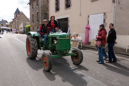Tractor d?©fil?© during 15 aout