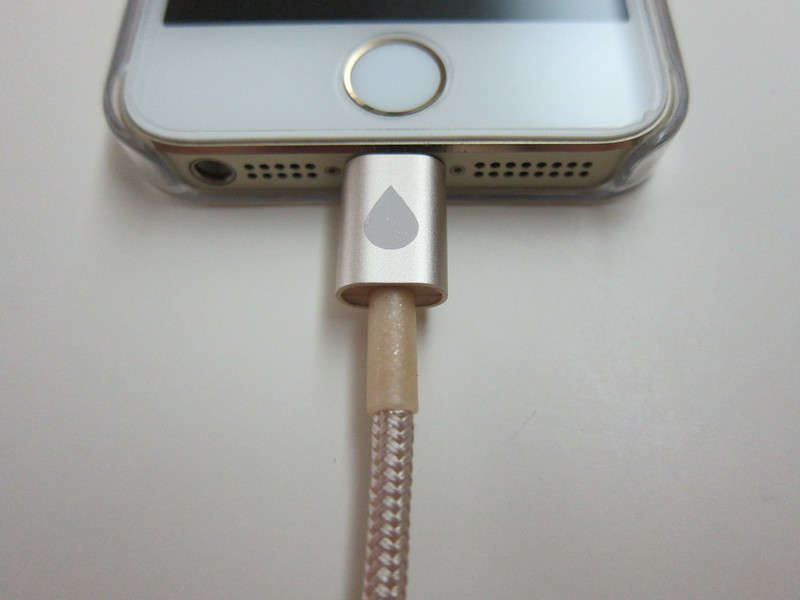 Juices+ - Gold Lightning Cable