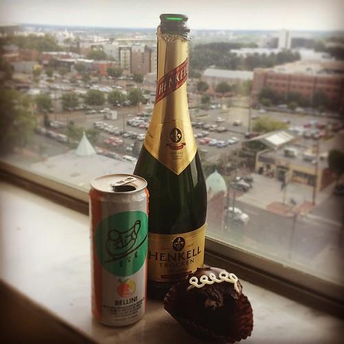 Pre @foofighters show / @careyjym birthday celebration! Mmmmm. 9:30 Club Cupcakes (imported from @buzzbakery)
