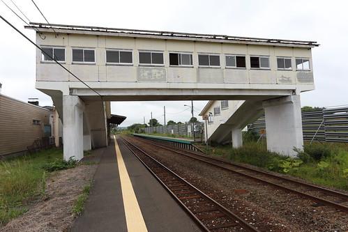 豊富駅の跨線橋|轍のあった道