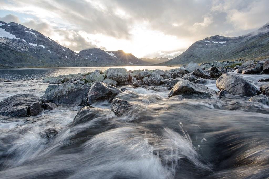 Urdadola runs into Langvatnet. Dusk. Jotunheimen NP.