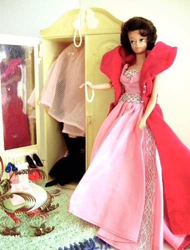Barbie Bubblecut brunette 1962 wearing Sophisticated lady 1963