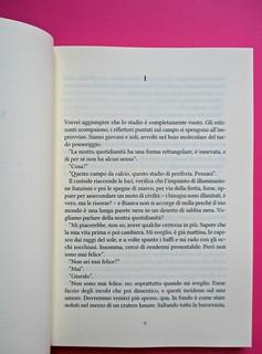 Romanzi, collana di Tunué edizioni. Progetto grafico di Tomomot; impaginazione di TunuéLab. Incipt: a pag. 9 [Barison] (part.), 1