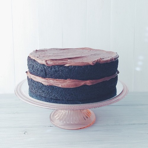 I rarely take cake orders anymore but I always say yes to RJs cousin. The best GF Chocolate Cake in the world will make it to the blog one day. It was fully iced to finish but looked so pretty naked I had to take a shot    #realfood #cakewayswins #chocola