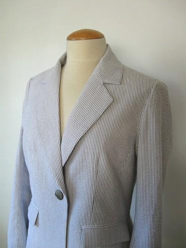 Seersucker jacket lapels