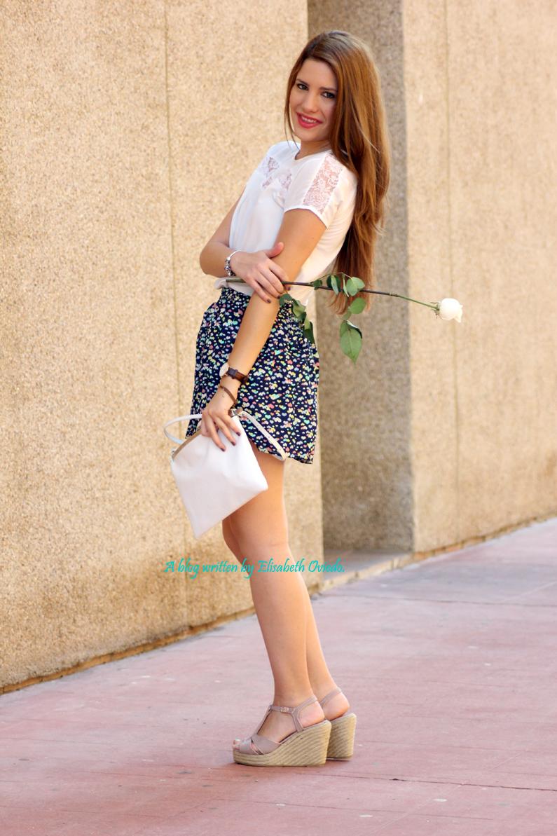 cuñas-Alex-Silva---falda-estampado-corazones---HEELSANDROSES-(4)