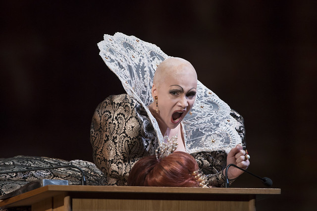 Carmen Giannattasio as Elisabetta in Maria Stuarda © Bill Cooper / ROH 2014