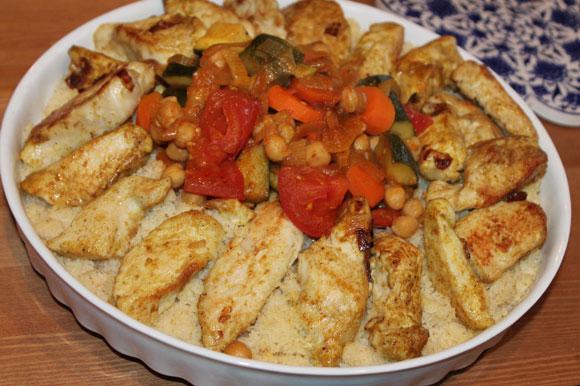 Algerisches Gemüse-Couscous mit Hähnchenbrust-Streifen