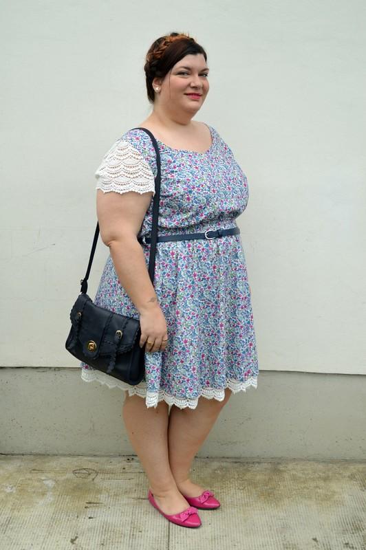 Outfit fiorellini, blu e fuxia (7)