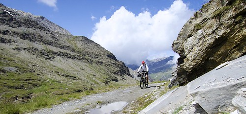 Approaching Col du Fre?jus