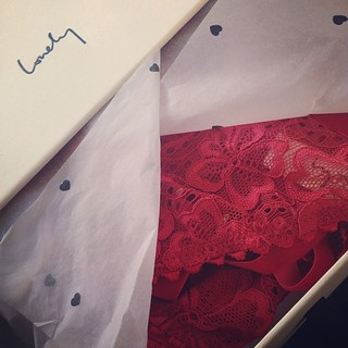 Lord how I love the packaging of @lonelyheartslabel #sabel #lingerie #redordead