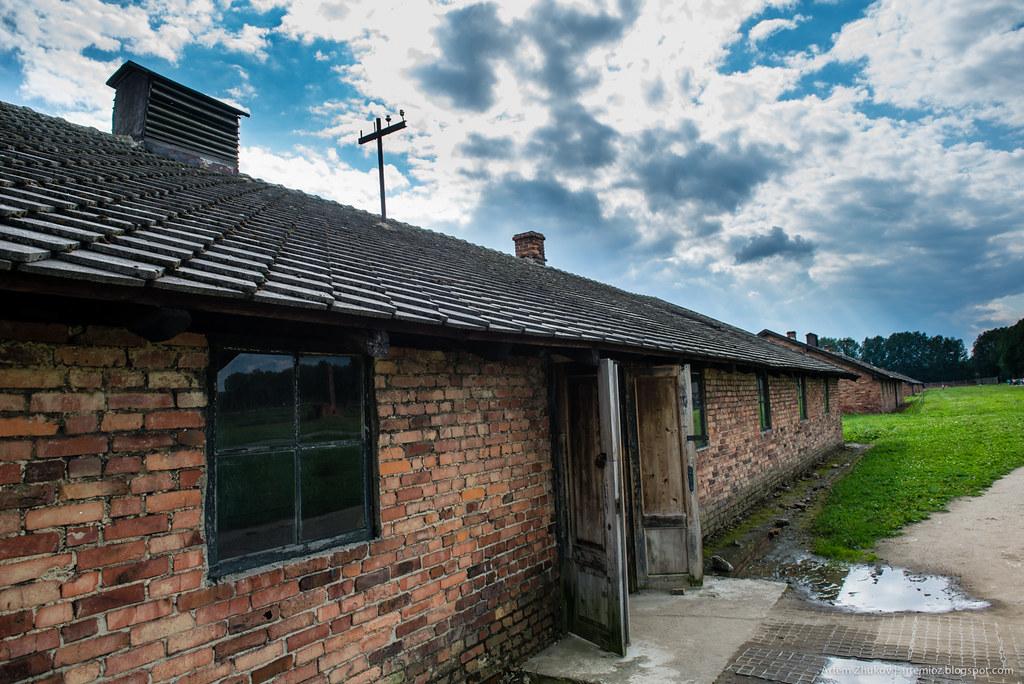 Auschwitz II–Birkenau-21.jpg