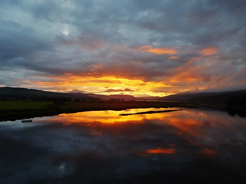 uk travel sunset naturaleza sunlight reflection skye nature water clouds landscape scotland paisaje paesaggio waterscape travelog kyleofsutherland bonarbridge payusage
