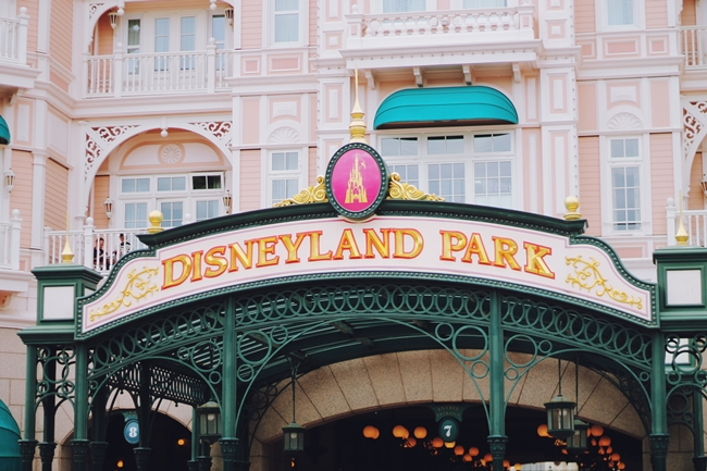 Disneyland Paris, outfit Disneyland, Disney, working at Disney, recruitment process