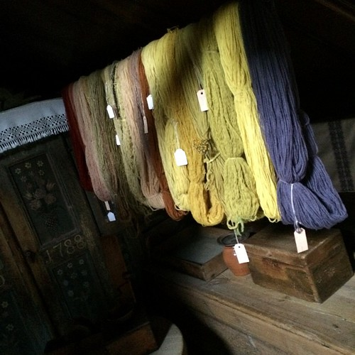 Samples of natural dyes at Skansen Stockholm :) Esempi di tinture naturali a Skansen Stoccolma :)
